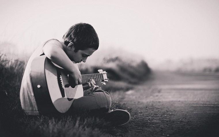 東儀典親のギター演奏