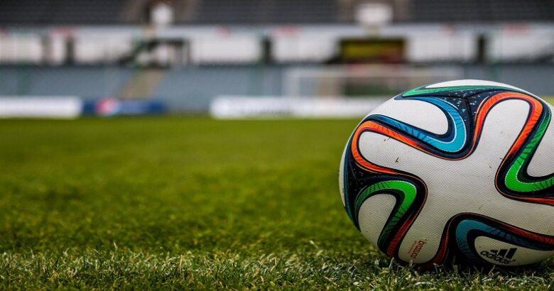 シユウペイのサッカー