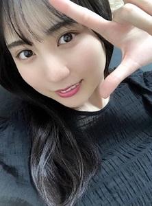 賀喜遥香さんのチョキポーズ
