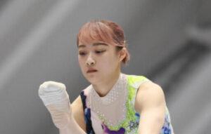 平岩優奈選手の髪がピンク