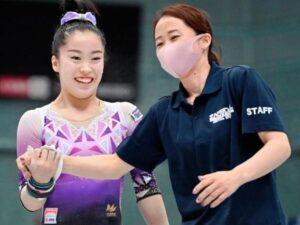 畠田瞳選手と母の画像